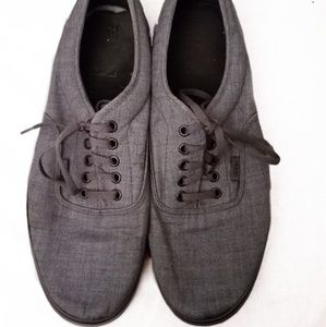 Lace up Vans Sneakers